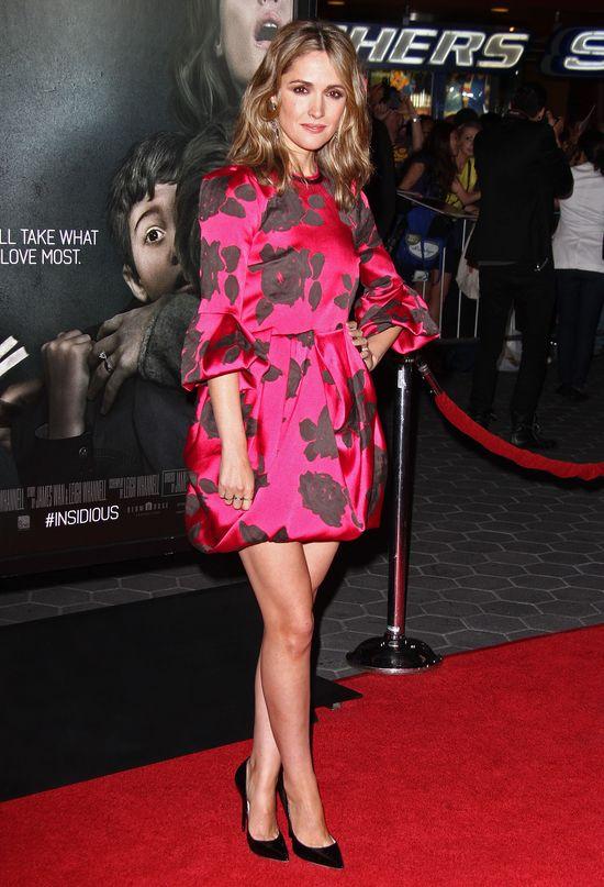 Rose Byrne w czerwonej sukience