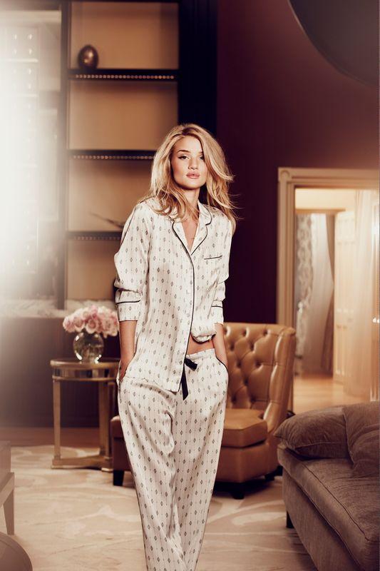 Rosie Huntington-Whiteley w zmysłowej reklamie Marks&Spencer