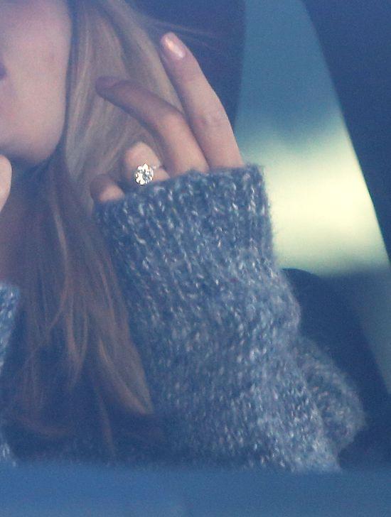 Wiemy, ile kosztował pierścionek Rosie Huntington-Whiteley