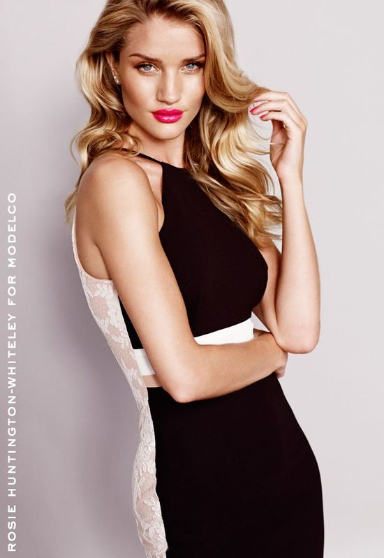 Rosie Huntington-Whiteley dla ModelCo (FOTO)