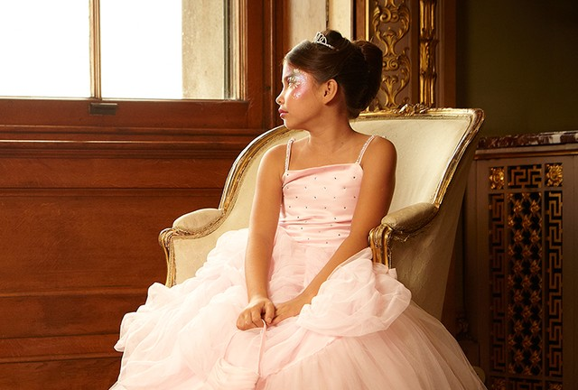 Matki wydają 5 tys. złotych, by zmienić córki w księżniczki