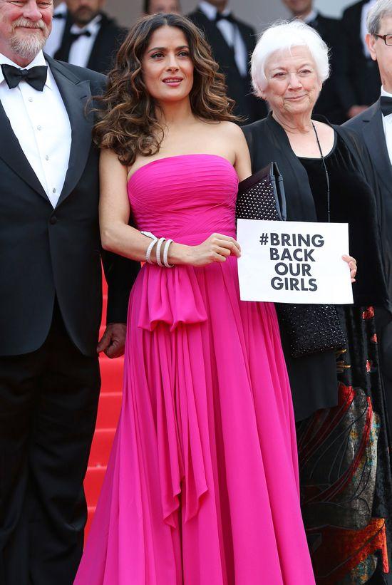Zachwycająca Salma Hayek w różu na Festiwalu w Cannes (FOTO)
