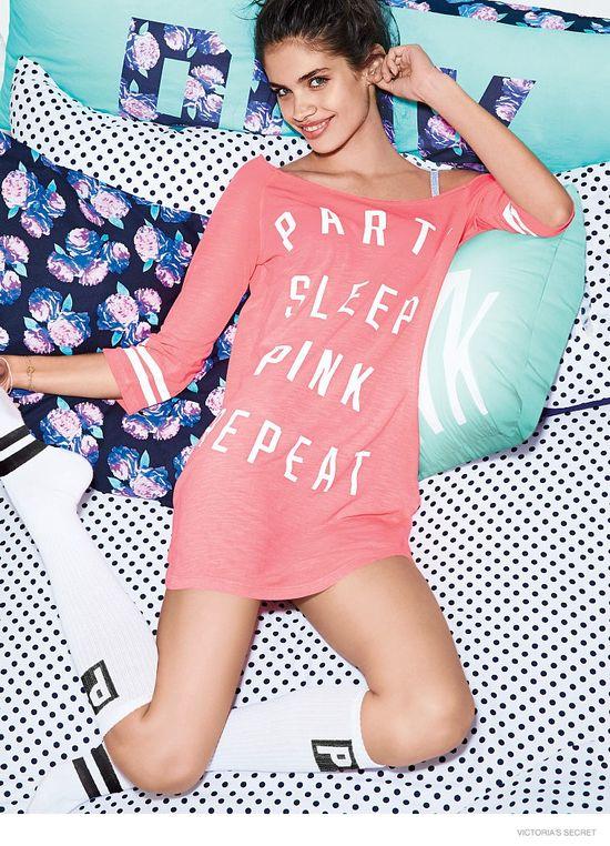 Sara Sampaio dlla Victoria's Secret Pink (FOTO)
