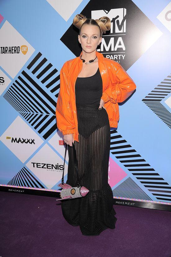 Tłum piosenkarek i celebrytek na MTV EMA Pre-Party 2015