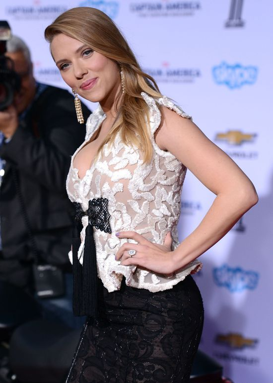 Zdziwicie się jak bardzo zmieniła się Scarlett Johansson! (FOTO)