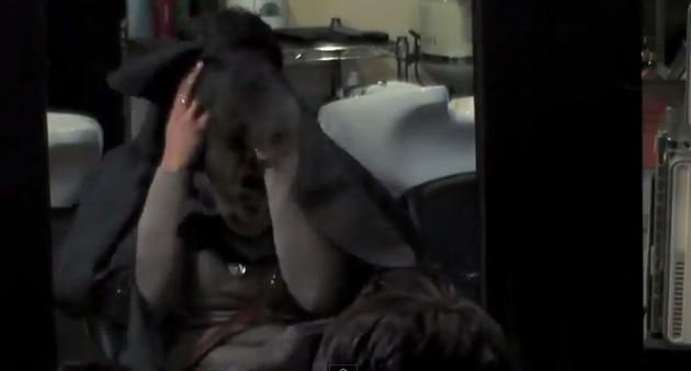 Przerażająca wizyta u fryzjera (VIDEO)