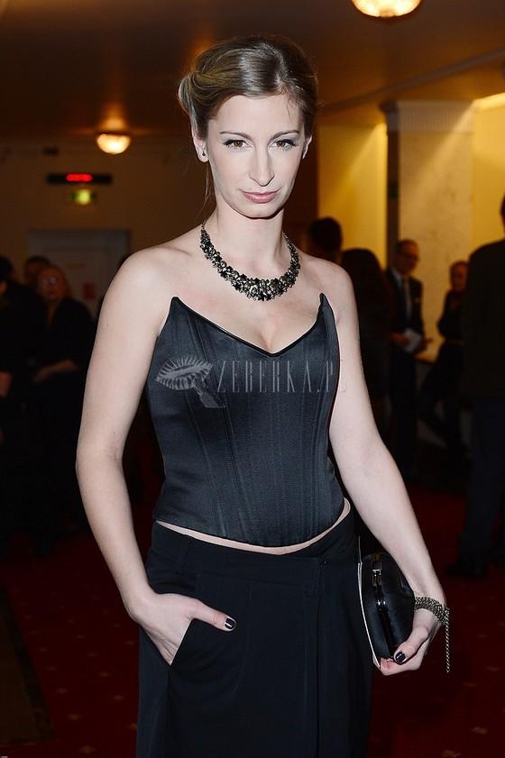 Magdalena Schejbal w czarnym gorsecie
