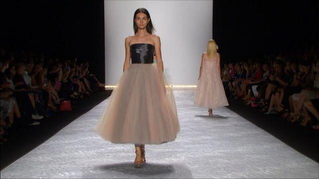 Bajkowa wiosenna kolekcja od Monique Lhuillier (VIDEO)