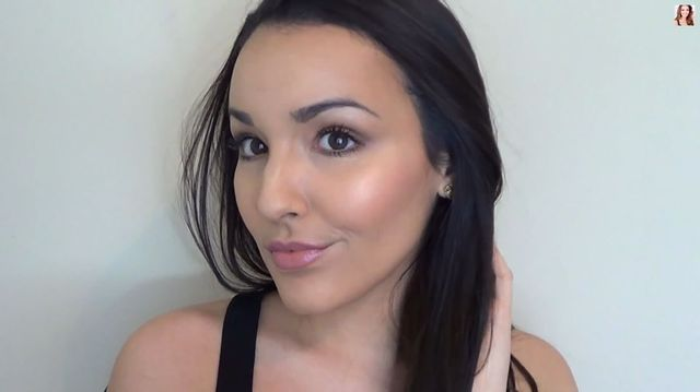Jak prawidłowo konturować twarz? [VIDEO]
