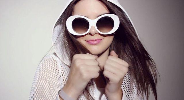Kendall Jenner po raz kolejny dla Estee Lauder [VIDEO]