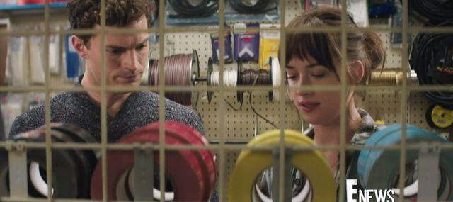 Wyciekła jedna z pierwszych scen z 50 twarzy Greya! [VIDEO]