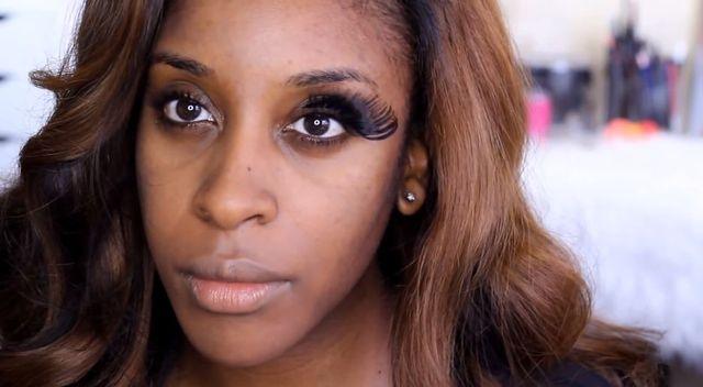 Trendy w makijażu, które powinny pozostać w 2014 roku...