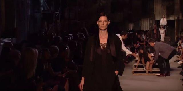 Dla Candice Swanepoel i Pooji Mor pokaz Givenchy był bolesny