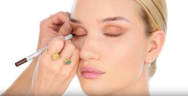 Lisa Eldridge prezentuje makijaż Rosie Huntington-Whiteley