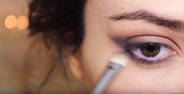 Makijaż sylwestrowy krok po kroku - złoto i czerwień [VIDEO]