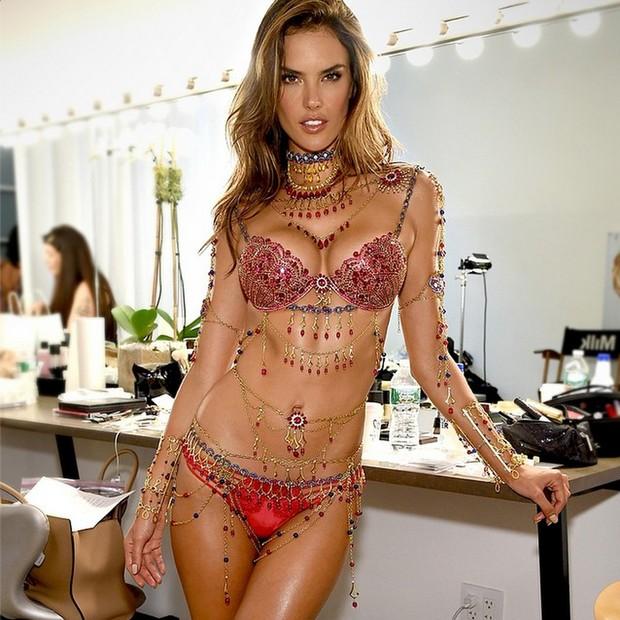 Pokaz mody Victoria's Secret 2015 już dziś! (FOTO)