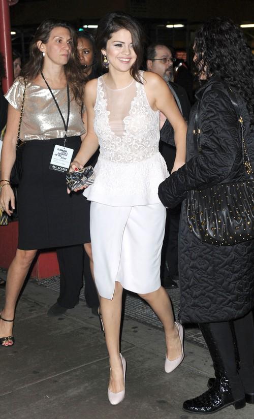 Selena Gomez w Giambattista Valli (FOTO)