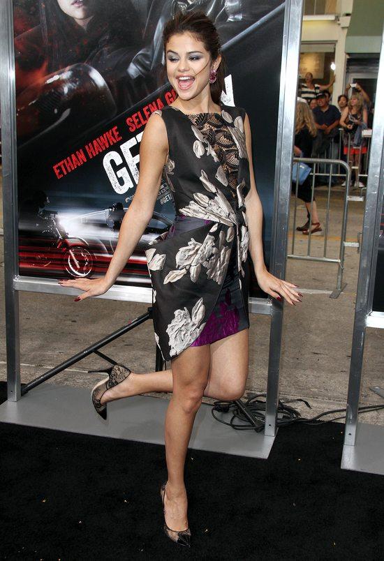 Selena Gomez w sukience Very Wang