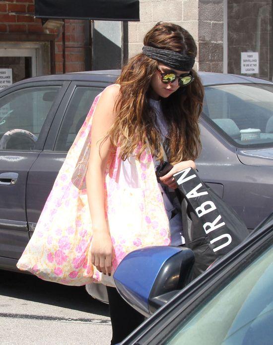 Selena Gomez w stylu hippie (FOTO)