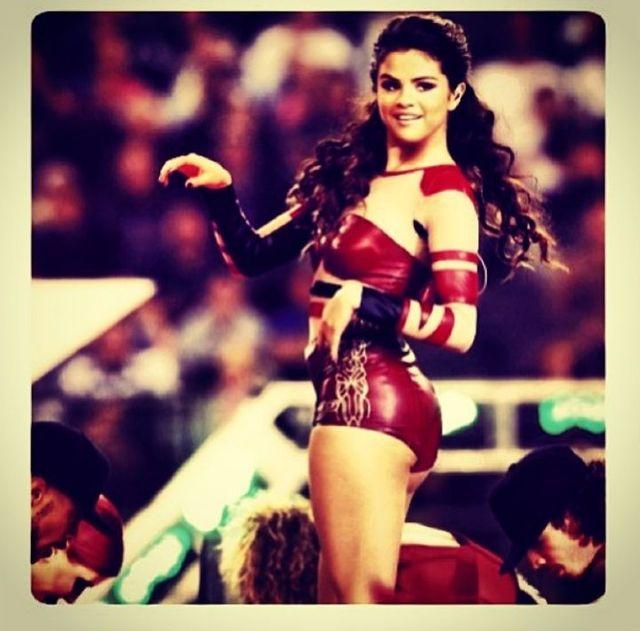 Selena Gomez nie musi się malować (FOTO)