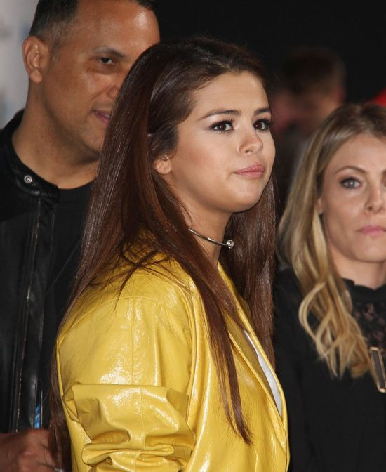Ups, wpadka! Tę okładkę Vogue'a Selena Gomez zapamięta na długo (FOTO)