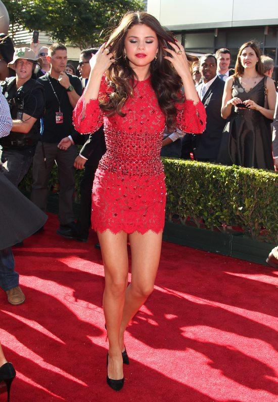 Selena Gomez w Dolce & Gabbana