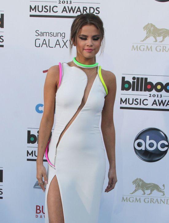 Selena Gomez w Versace (FOTO)