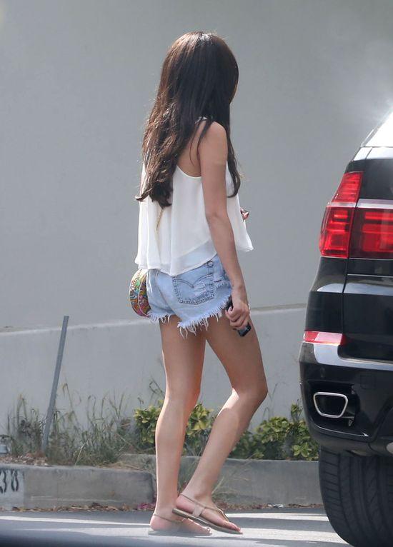 Selena w letnim wydaniu (FOTO)