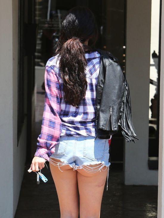 Co sie stało z szortami Seleny Gomez?! (FOTO)