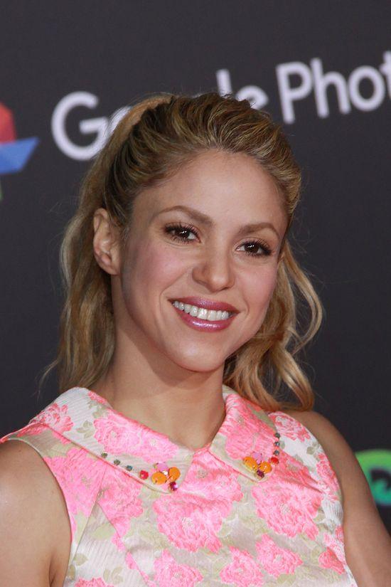 Uuups! Shakira na ślubie Messiego jakoś nie zachwyciła... (FOTO)