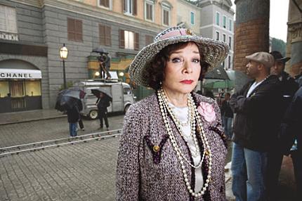 Shirley MacLaine jako Coco Chanel