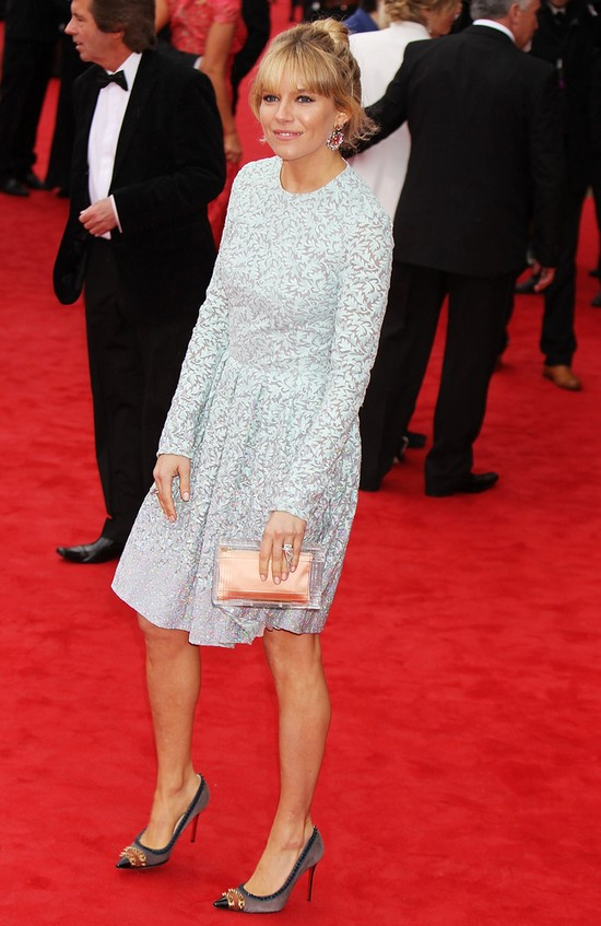 Sienna Miller na rozdaniu nagród BAFTA (FOTO)