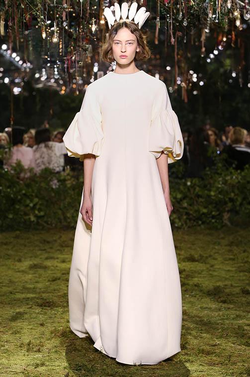 Musicie zobaczyć boską kolekcję haute couture na wiosnę/lato 2017 od Diora!