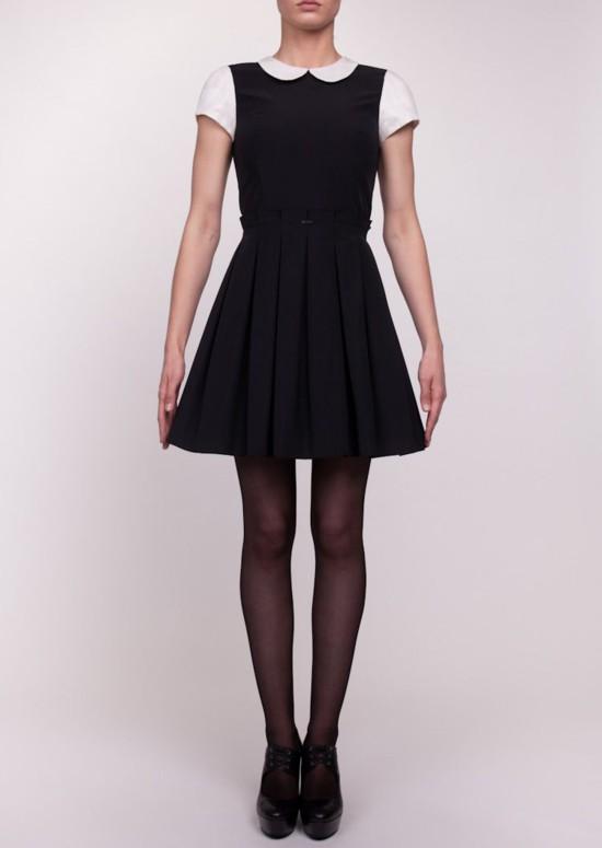 Sukienki z dziewczęcymi kołnierzykami od Simple