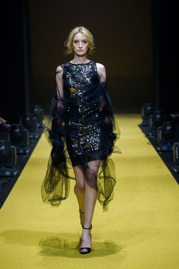 5687767920 Simple CP x Dorota Williams - w tych ubraniach zobaczycie Małgorzatę  Kożuchowską