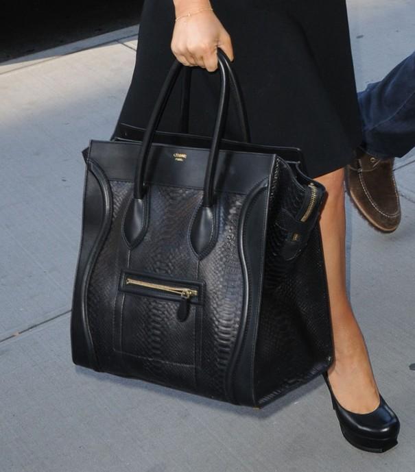 Jessica Simpson cała w czerni