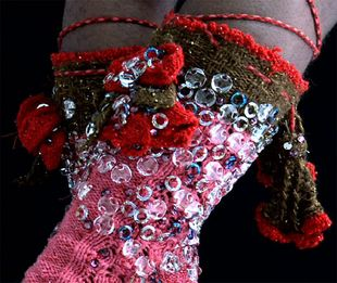 Ozdobne skarpetki z męskiej kolekcji Vivienne Westwood