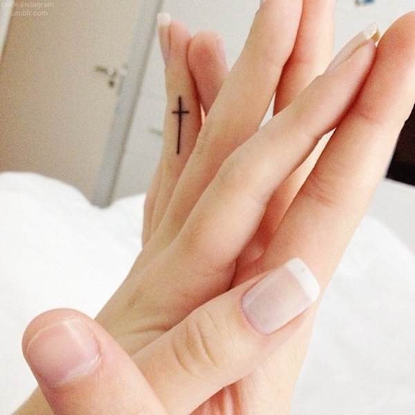 Tatuaż na palcu - dużo inspiracji! (FOTO)
