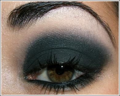 Придайте загадочности вашему взгляду: модный МАКИЯЖ Smoky Eyes.