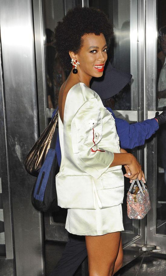Solange Knowles w zestawie od Prady