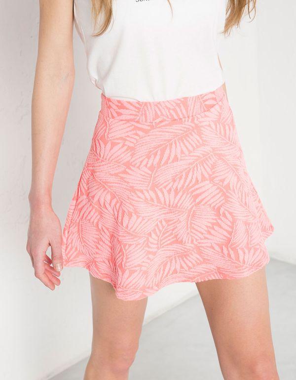 Rozkloszowane spódnice mini - przegląd sieciówek (FOTO)
