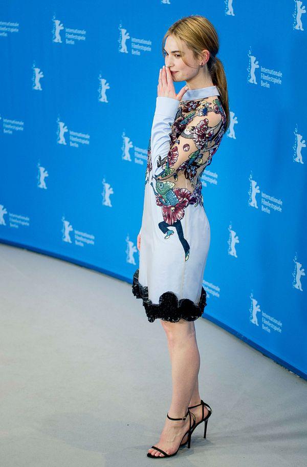 Zachwycająca Lily James na premierze Kopciuszka (FOTO)