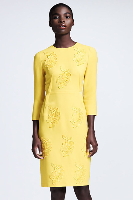 Christina Hendricks w żółtej sukience od Stelli McCartney