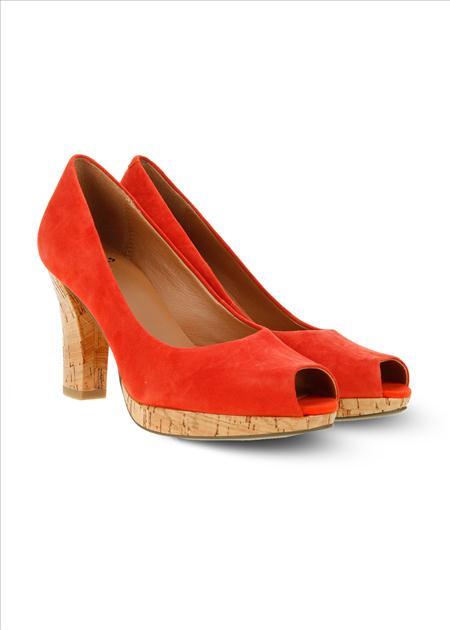 Przegląd butów w intensywnych kolorach