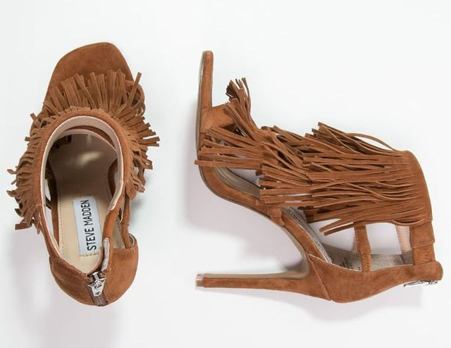 Modne sandały na obcasie - co oferują nam znane marki?