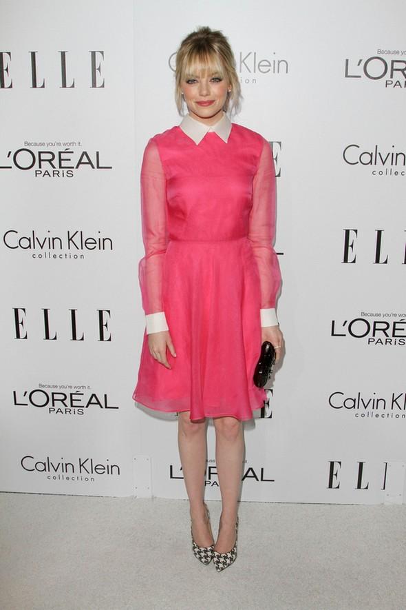 Emma Stone w różowej sukience Valentino