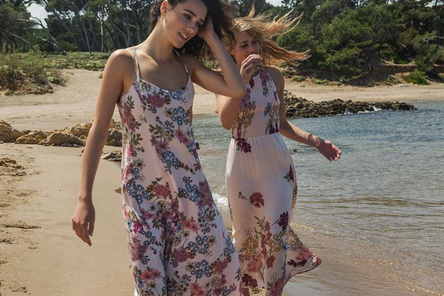 Stradivarius Summer Flowers - Nowy katalog z modą na lato 2016