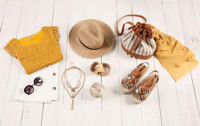 Stradivarius - Kolekcja modnych dodatków na lato (FOTO)