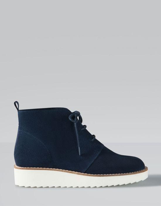 Wyprzedaż w Stradivariusie - Modne torebki i buty na zimę