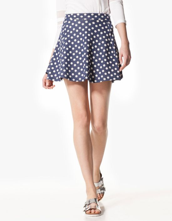 Trend na wiosnę - Rozkloszowane spódnice (FOTO)